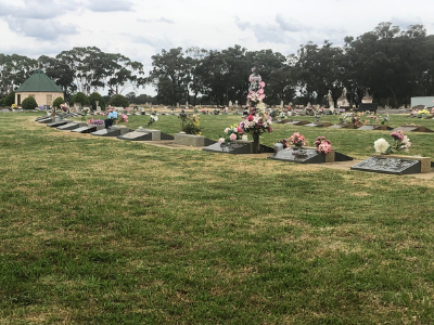 Carlyle Lawn Cemetery.png