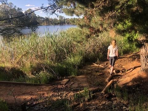 Lake-Sambell-walking_web.jpg